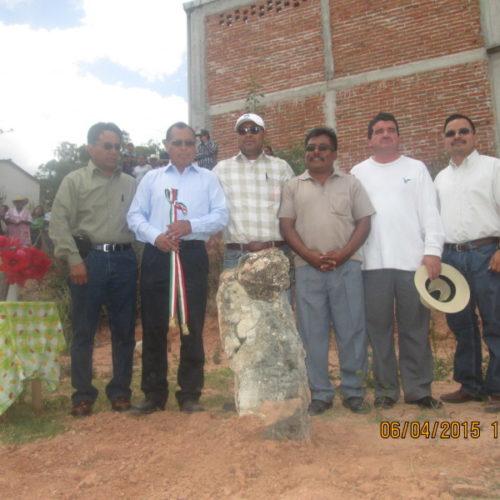 #Oaxaca #Cultura Coloca Presidente Municipalprimera piedra de Casa de la Culturade San Francisco Chindúa