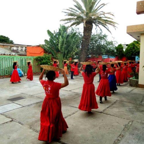 #Oaxaca #Cultura #ChinasOaxaqueñas @TitiRoC Se compromete Beatriz Rodríguez Casasnova con Chinas Oaxaqueñas de Genoveva Medina a gestionar mayores recursos para conservar y fomentar la cultura