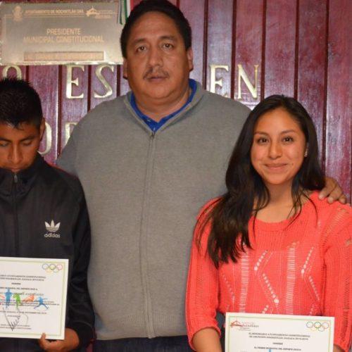 Daniel Alberto Cuevas Chávez y su cabildo hacen entrega de premio municipal del deporte
