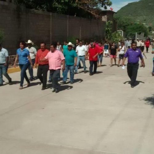 Santa María Jalapa del Marqués inaugura la obra de pavimentación en la calle cuarta norte