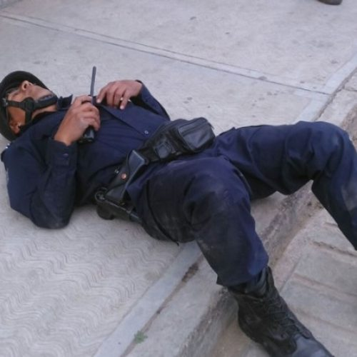 Derrapa policía en persecución