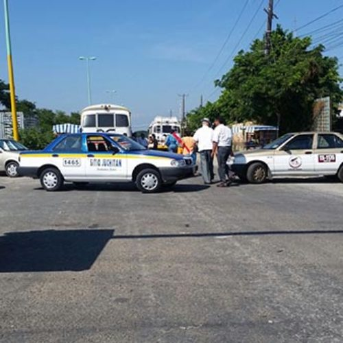 Mantienen bloqueos en Juchitán; exigen que se retiren concesiones