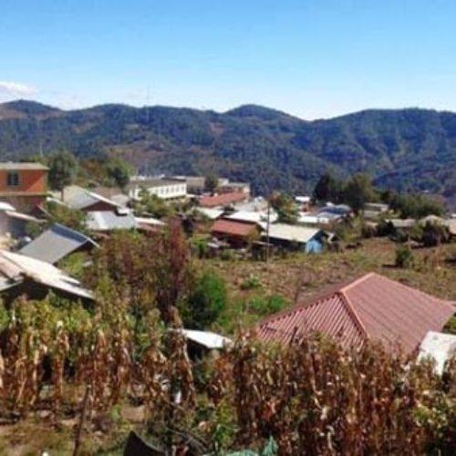 Habitantes de Yucunico sufren los fuertes descensos de temperaturas