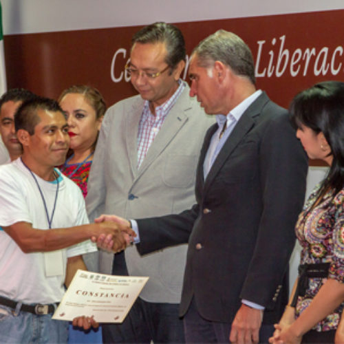 Devuelve Gobierno de Oaxaca la libertad a 94 internos indígenas