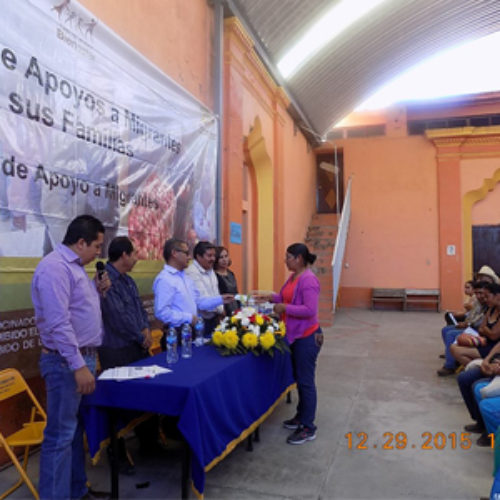 Entrega IOAM recursos del FAM 2015 en municipios de la Mixteca