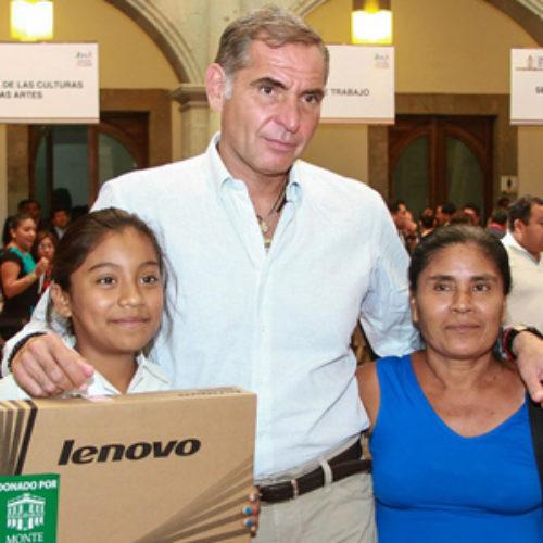 Encabeza Gabino Cué 58 Audiencia Pública en Palacio de Gobierno