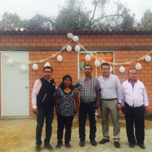 Entrega CEVI obras de infraestructura de vivienda a 14 familias de San Bernardo Mixtepec