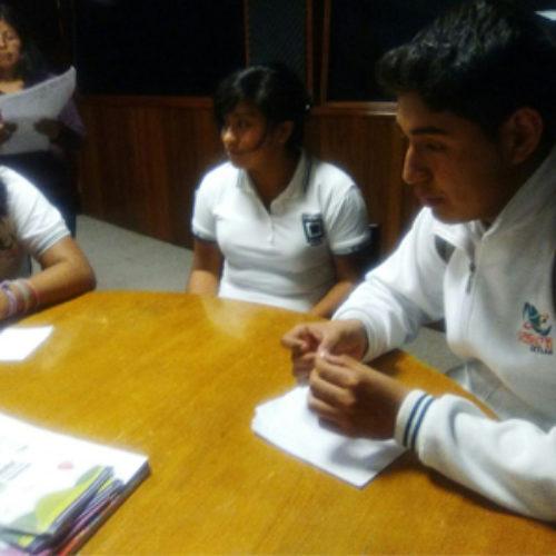 Estudiantes del CECyTEO obtienen beca Poder Joven Radio