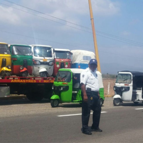 Asegura Policía Vial Estatal 22 mototaxis irregulares en el Istmo de Tehuantepec