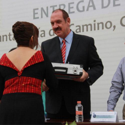 Reconoce Gobierno de Oaxaca a docentes y estudiantes destacados del CBTis 123
