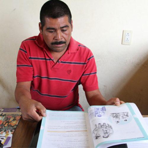 Agente Municipal de La Soledad, en Miahuatlán. cursa su educación básica en el IEEA