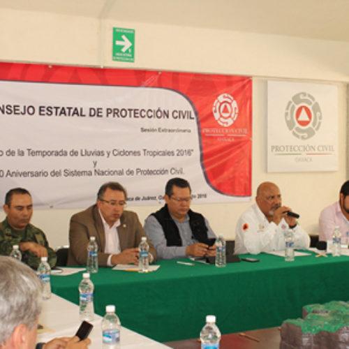 """En fase de alerta 150 municipios de Oaxaca ante desplazamiento del meteoro """"Earl"""""""