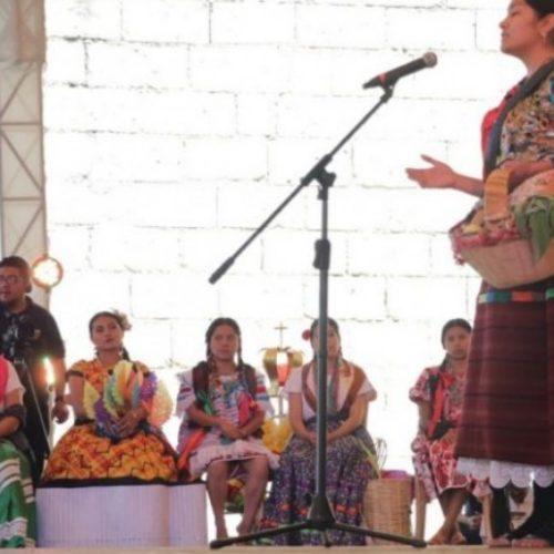 34 jóvenes de Oaxaca participan para coronarse como Diosa Centéotl.