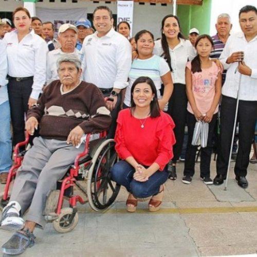 Entrega Beneficencia Pública 646 aparatos auditivos en Oaxaca.