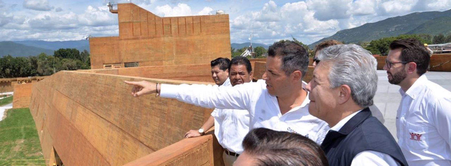 Gobernador Recorre Centro Cultural, previó a la visita presidencial.