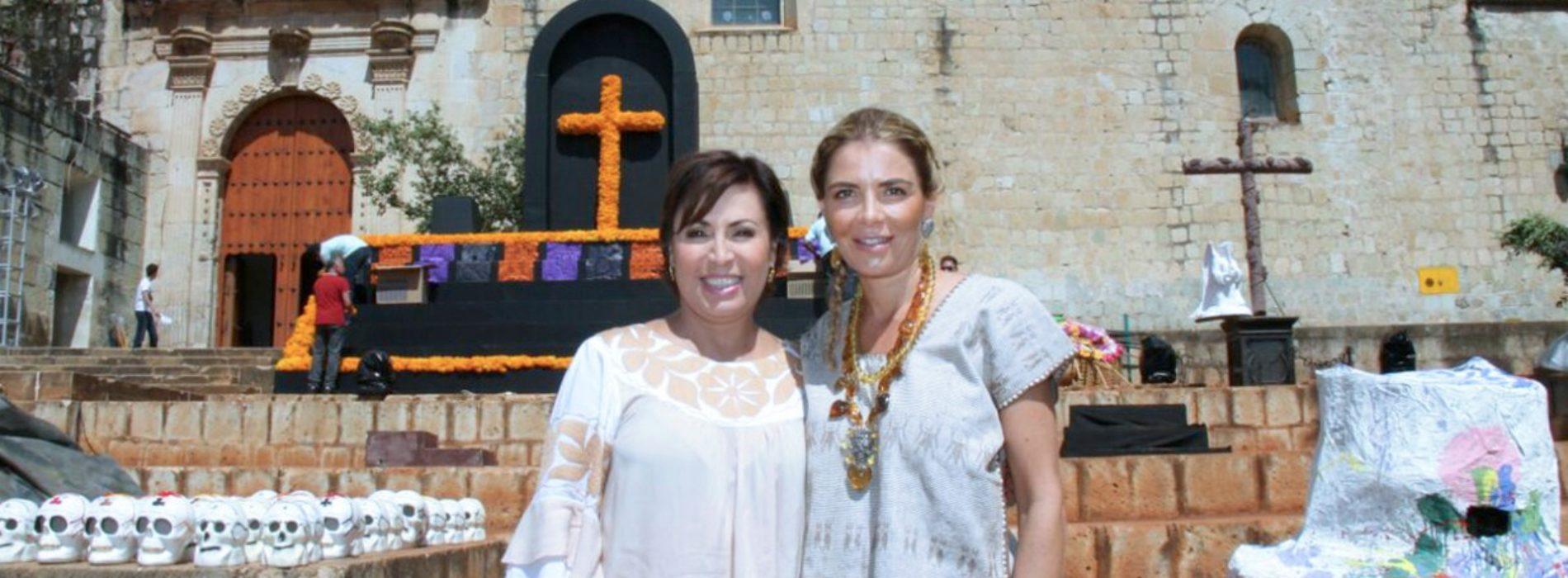 Rosario Robles e Ivette Morán de Murat comparten tradiciones oaxaqueñas