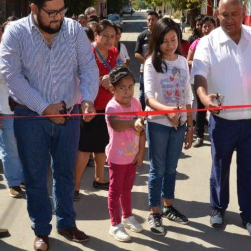 Inauguran obras de pavimentación en la cabecera municipal